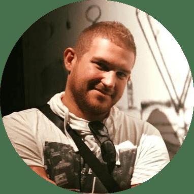 Molnár Zsófia account executive